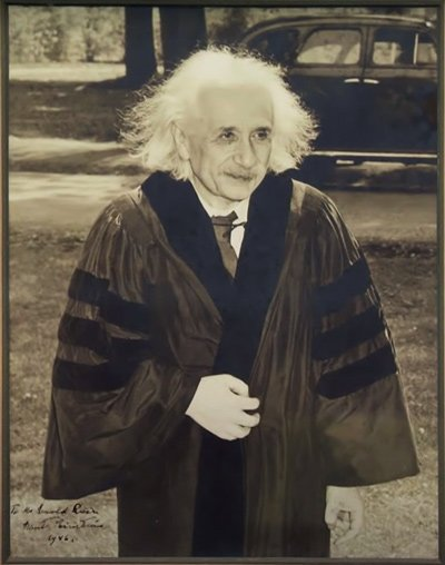 Einstein arriving at Lincoln University